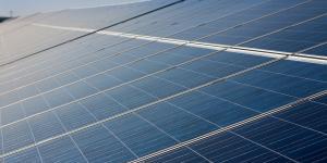 Met het project 'Zon op Bedrijfsdaken' helpt de gemeente met het aanvragen van de Stimulering Duurzame Energietransitie (SDE++)-subsidie