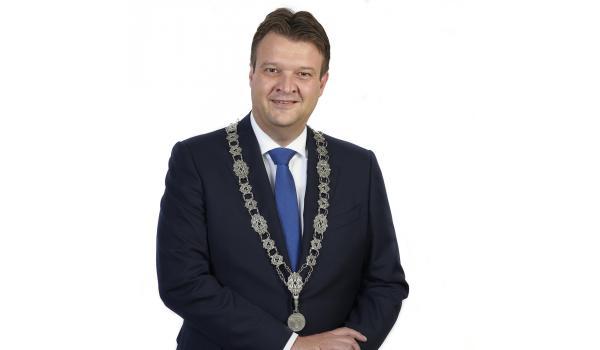 De heer Han van Midden is donderdagavond 3 oktober 2019 geïnstalleerd als nieuwe burgemeester van de gemeente Roosendaal